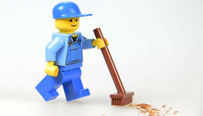 Gör som LEGO – Skriv copy som engagerar så här!